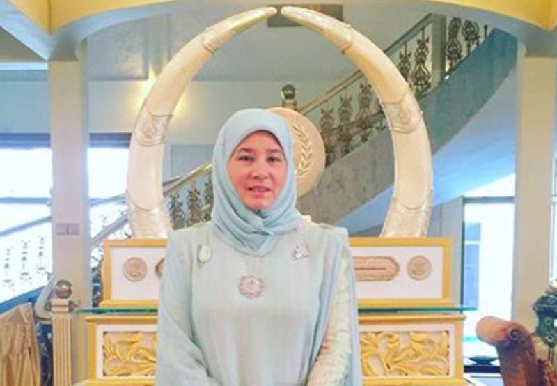 The Raja Permaisuri Agong Tunku Hajah Azizah Aminah Maimunah Iskandariah has contributed 100 beds to Sungai Buloh Hospital and 50 beds to Kuala Lumpur Hospital. — Picture courtesy of Instagram/kajpphotography74