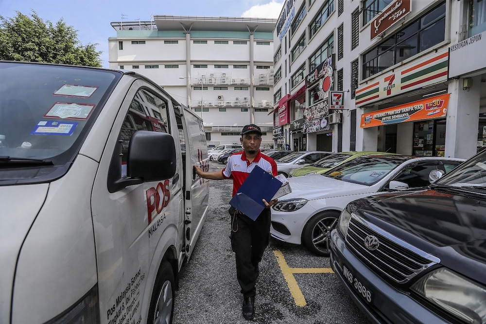 Yuzali out for delivery in Mont Kiara and Sri Hartamas. — Picture by Firdaus Latif