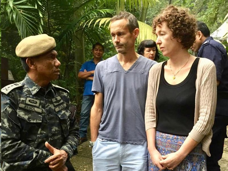 Nora Anne's parents, Sebastien Marie Philipe and Meabh Jaseprine Quoirin speaking to a member of the search and rescue team near The Dusun August 10, 2019. — Picture courtesy of Malaysian police source