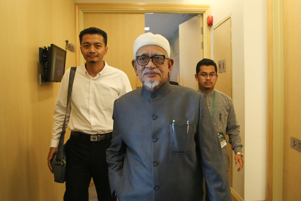 Datuk Seri Abdul Hadi Awang has accused some Malaysians today of double standards, claiming they would defend now defunct separatist group Liberation Tigers of Tamil Eelam (LTTE) but not fugitive Indian national Dr Zakir Naik. — Picture by Yusof Mat Isa