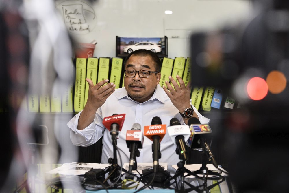 Big Blue Taxi founder Datuk Shamsubahrin Ismail speaks during a press conference at Wisma Central, Kuala Lumpur on August 28, 2019. ― Picture by Miera Zulyana