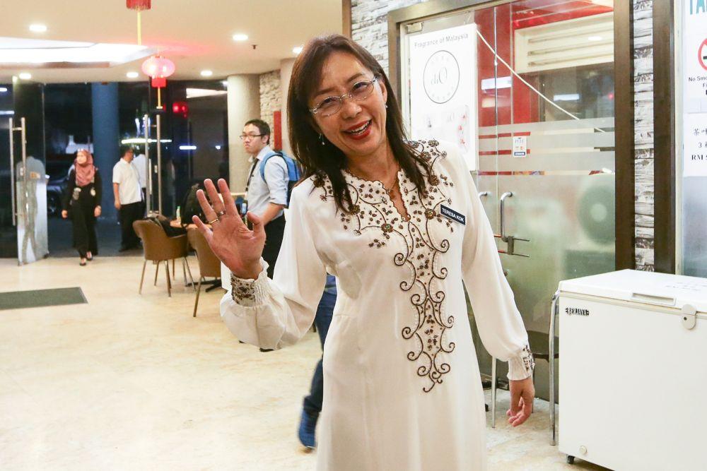 Teresa Kok arrives at DAP's headquarters in Kuala Lumpur August 5, 2019. — Picture by Ahmad Zamzahuri