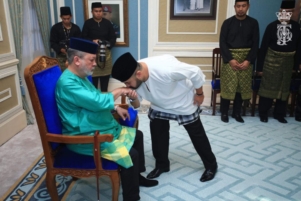 Johor's Sultan Ibrahim Iskandar has appointed Crown Prince Tunku Ismail Ibrahim as his regent, August 11, 2019. — Picture courtesy of Twitter/HRH Crown Prince of Johor
