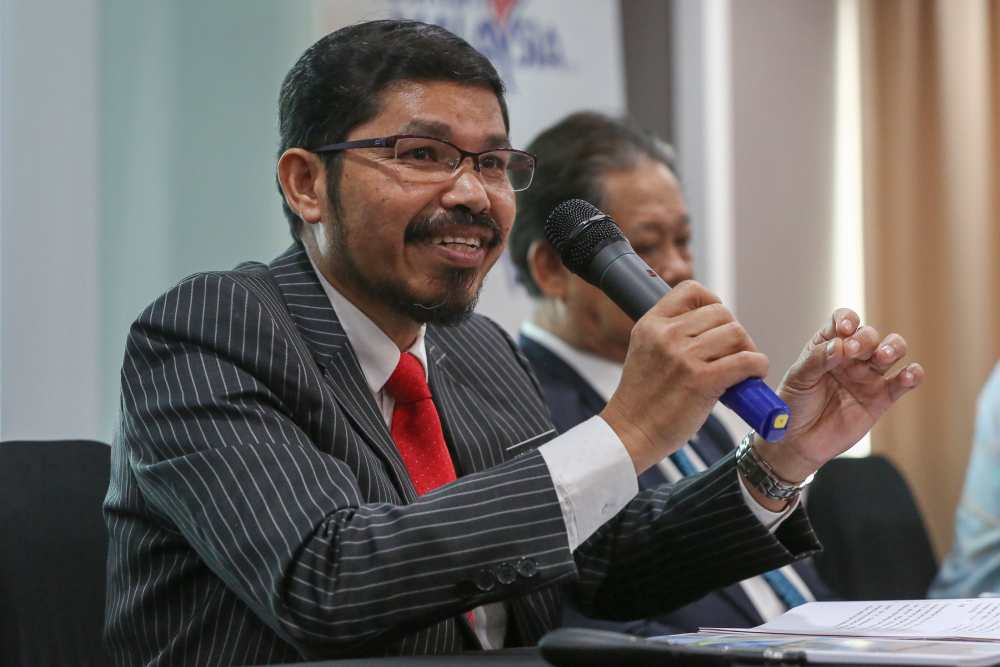 Department of Statistics Malaysia (DoSM) chief statistician Datuk Seri Dr Mohd Uzir Mahidin speaks during a press conference in Putrajaya August 15, 2019. ― Picture by Yusof Mat Isa