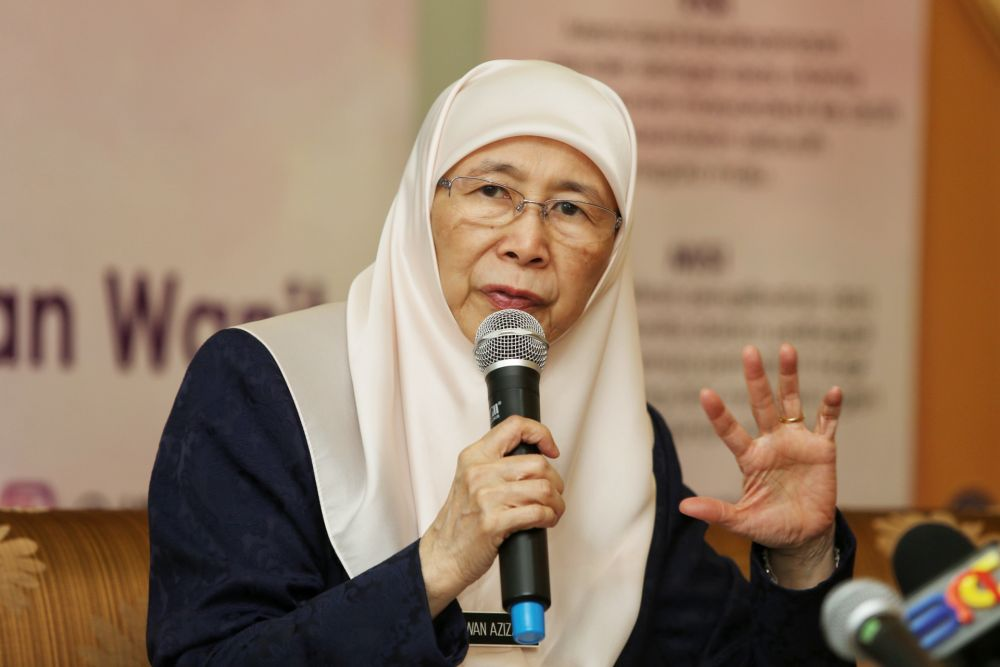 Datuk Seri Dr Wan Azizah Wan lsmail speaks during a press conference after launching anti-sexual harassment campaigns in Putrajaya August 5, 2019. — Picture by Choo Choy May