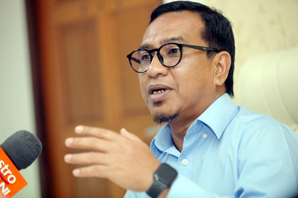 Datuk Zainol Fadzi Paharudin said Umno is helming the Perak government now only because it has Perikatan Nasional's support. — Picture by Farhan Najib