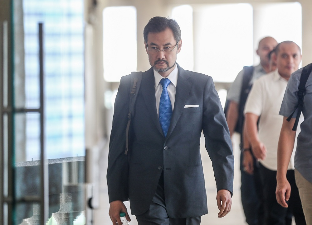 Former 1MDB chief executive officer Datuk Shahrol Azral Ibrahim Halmi arrives at the Kuala Lumpur Courts Complex September 26, 2019. ― Picture by Firdaus Latif