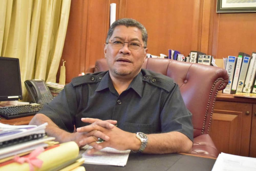 Amanah deputy chief Dzulkefly Ahmad said that it was important to call for the special sitting because the state was now in a critical situation. — Picture by Ben Tan