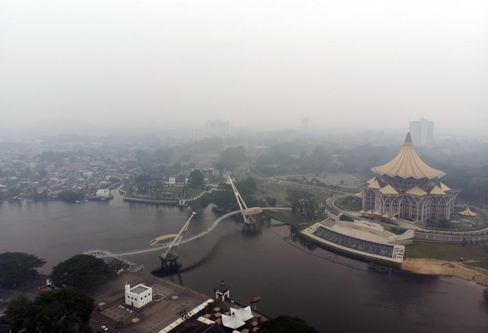 A thick blanket of haze shrouds Kuching September 6, 2019. — Bernama pic