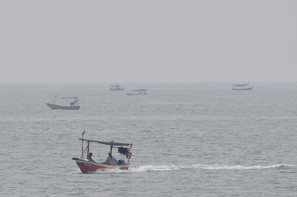 State Agriculture, Agro-based Industry and Rural Development Committee chairman Azman Ibrahim said that apart from that, a total of 245 units of Unjang (traditional artificial reef) were also placed, involving an allocation of RM190,000. — Bernama pic