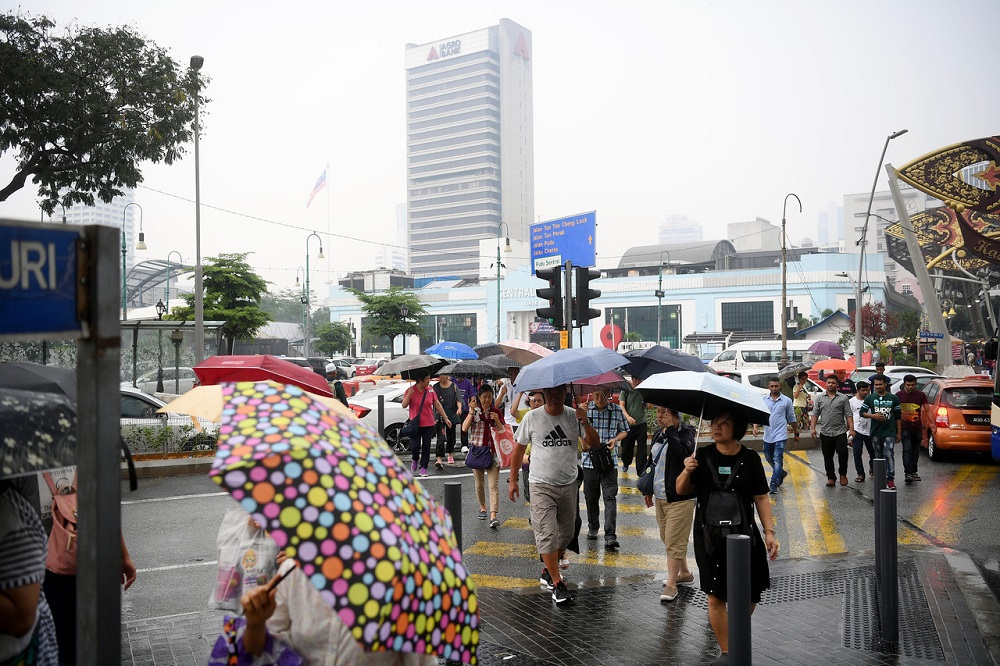 The Malaysian Meteorological Department (MetMalaysia) said almost the entire country is expected to experience wet conditions tomorrow. — Bernama pic