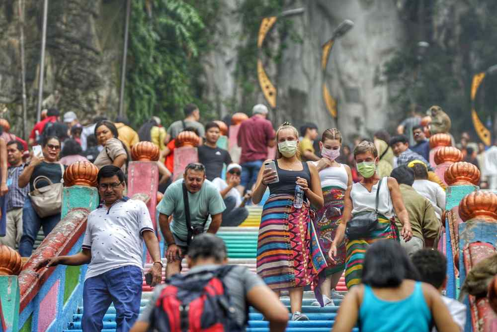 Tourists wear masks while visiting Batu Caves September 19, 2019. Fathir pointed out that Selangor received the most tourists last year, with 33.6 million visitors who brought in RM15.5 billion in revenue, which is the highest in Malaysia. ― Picture by Ahmad Zamzahuri