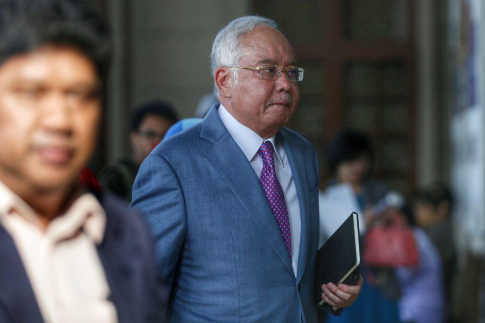 Datuk Seri Najib Razak arrives at the Kuala Lumpur High Court September 23, 2019. ― Picture by Ahmad Zamzahuri