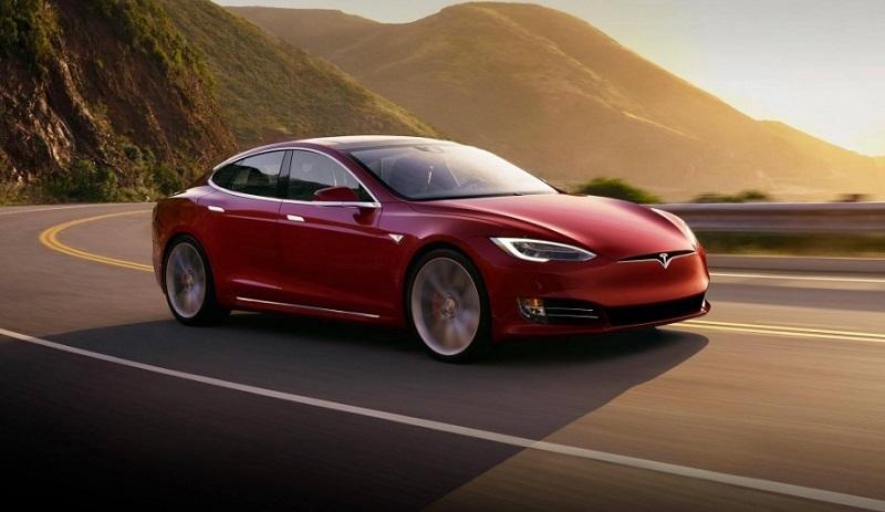 Tesla's Long Range Model S offers a 370-mile range. — Picture courtesy of Tesla