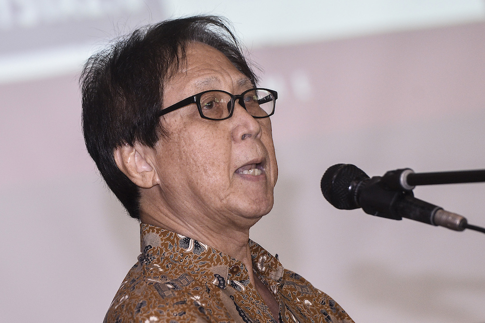 Professor Lim Teck Ghee said during a public forum on Friday that the 17-month PH administration has been 'disastrous'. — Picture by Miera Zulyana