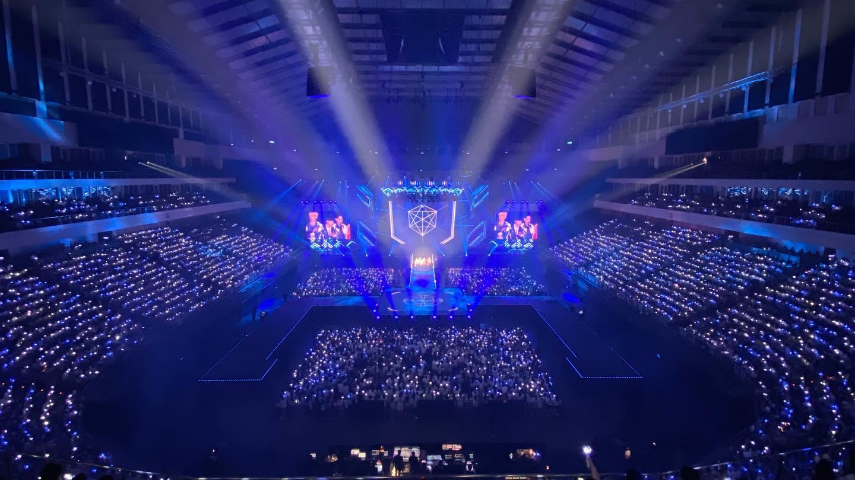 EXO的舞台以酷炫独特风格为主。-星艺娱乐提供-