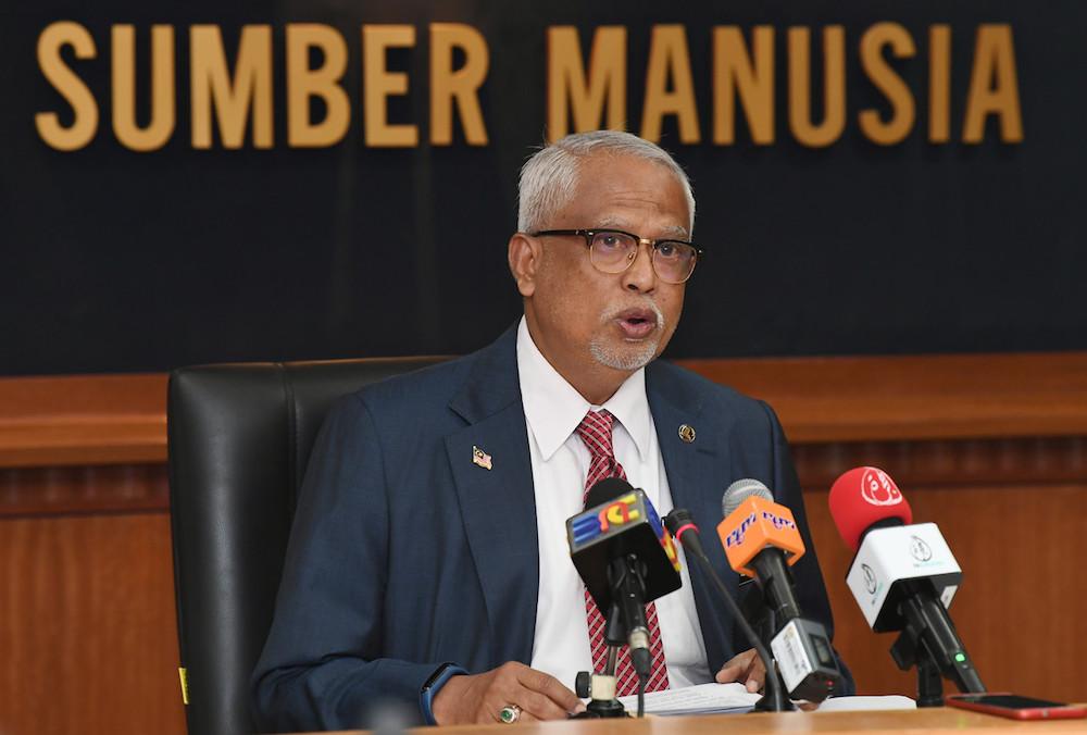 Datuk Mahfuz Omar addresses a press conference in Putrajaya October 2, 2019. — Bernama pic