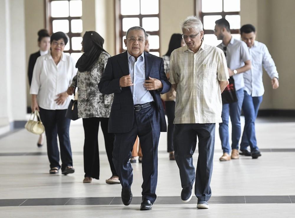 Tan Sri Mohd Isa Abdul Samad is seen at the Kuala Lumpur High Court October 7, 2019. — Bernama pic