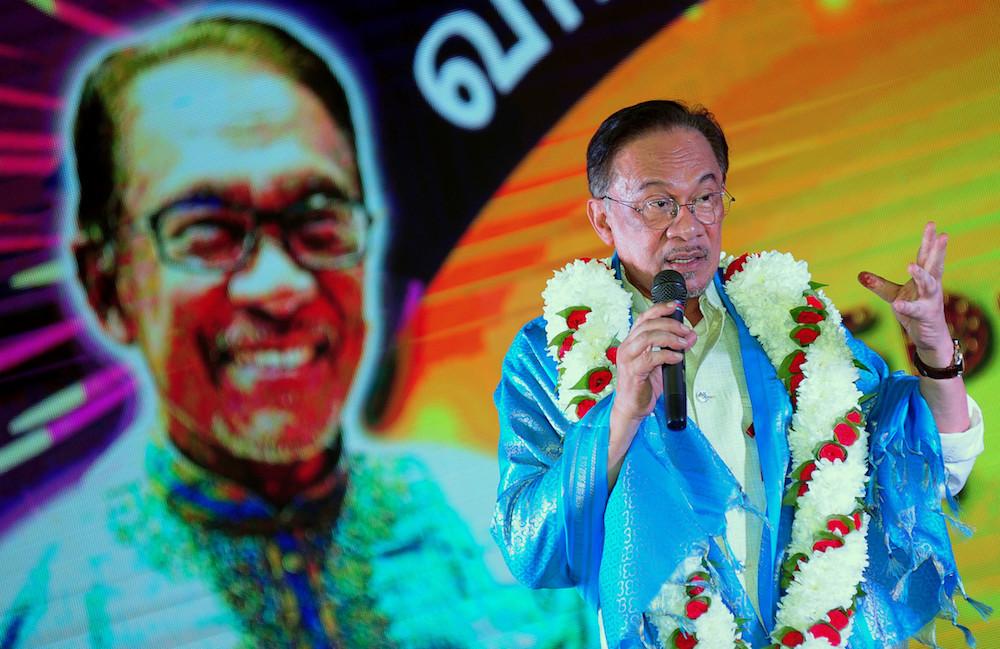 PKR president Datuk Seri Anwar Ibrahim speaks at a Deepavali gathering in Little India, Klang October 25, 2019. — Bernama pic