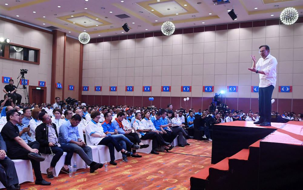 PKR president Datuk Seri Anwar Ibrahim speaks during the Sabah PKR Convention in Penampang October 28, 2019. — Bernama pic