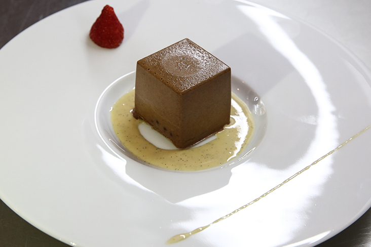 The dessert showcased artisan single origin chocolate from Chocolate Concierge in a light, airy mousse with a sponge cake layer and chocolate served with a vanilla sauce made with Vanilla Temerloh.