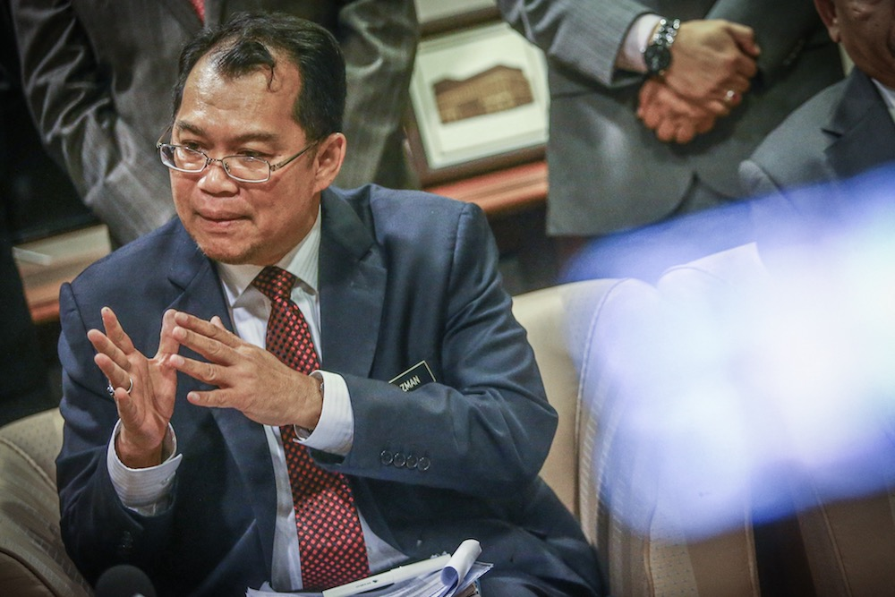 Auditor-General Datuk Nik Azman Nik Abdul Majid said the audit on the state government's financial statement and the financial performance of its agencies in 2018 found that the balance of the consolidated fund at the end of 2018 was RM369.30 million. — Picture by Hari Anggara