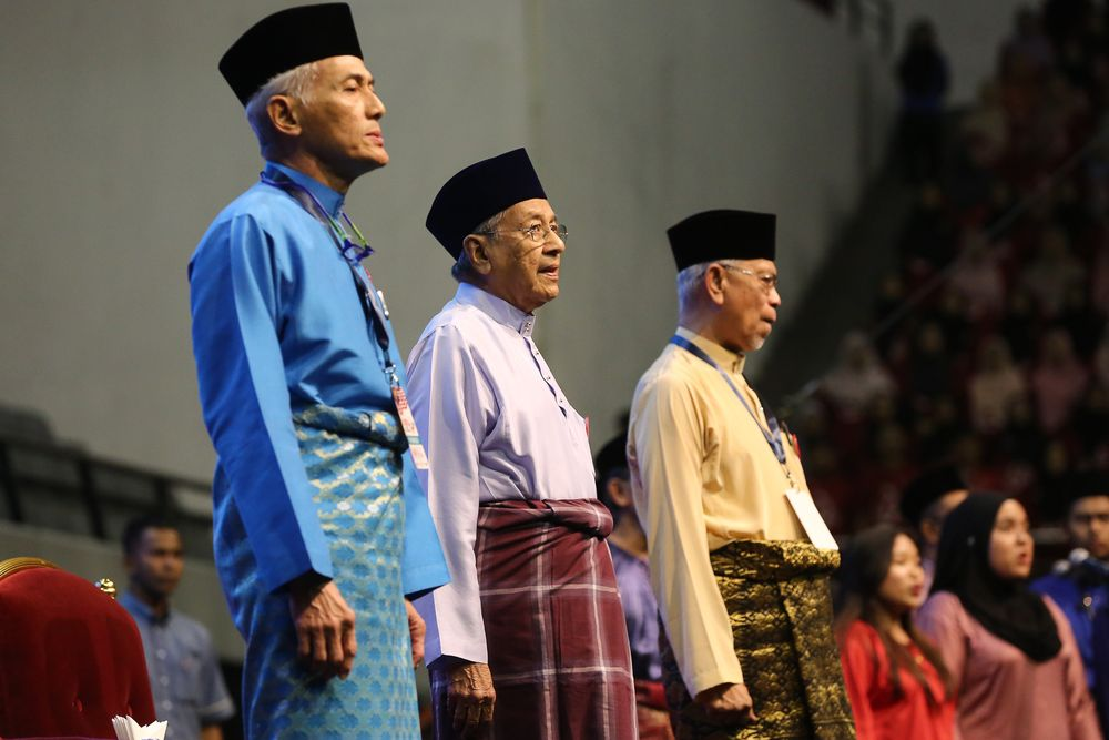 Prime Minister Tun Dr Mahathir Mohamad (centre) attending the Malay Dignity Congress at Malawati Stadium in Shah Alam, October 6, 2019. — Picture by Yusof Mat Isa