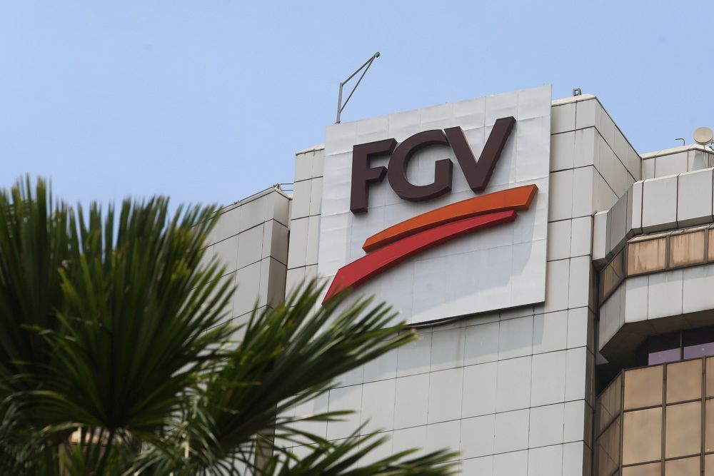 As at February 10, the total shares held by Felda and the PAC in FGV amounted to 2.62 billion shares, which is equivalent to a 71.95 per cent stake in the company. — Picture by Choo Choy May