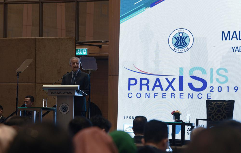 Prime Minister Tun Dr Mahathir Mohamad speaks during the Malaysian Beyond 2020 conference at Hilton Kuala Lumpur, October 21, 2019. ― Bernama pic