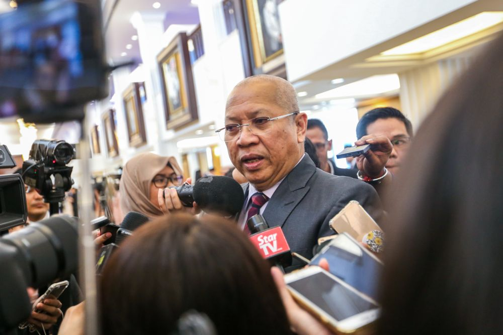 Tan Sri Annuar Musa said the government plans to dedicate the development of a sports facility costing over RM500 million to the late Sultan Ahmad Shah. — Picture by Firdaus Latif