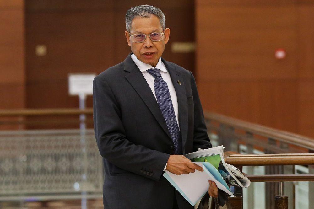 Datuk Seri Mustapa Mohamed said Malaysia's Prihatin Rakyat Economic Stimulus Package is among the largest in the world. — Picture by Yusof Mat Isa