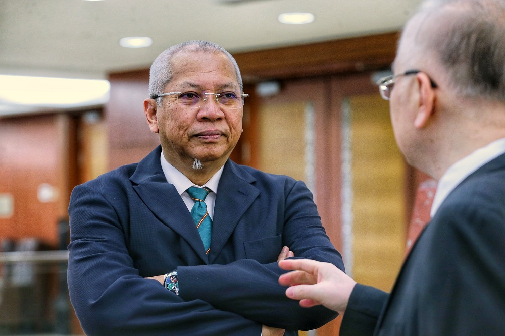 Tan Sri Annuar Musa has claimed today that either Datuk Seri Azmin Ali or Tun Dr Mahathir Mohamad could have spread misinformation on the clandestine meeting in the PKR deputy president's home. — Picture by Ahmad Zamzahuri