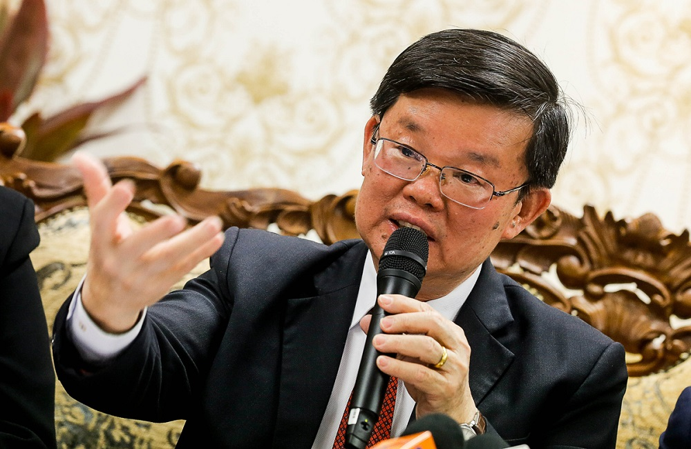Penang Chief Minister Chow Kon Yeow speaks during a press conference at the Dewan Sri Pinang in George Town November 6, 2019. — Picture by Sayuti Zainudin