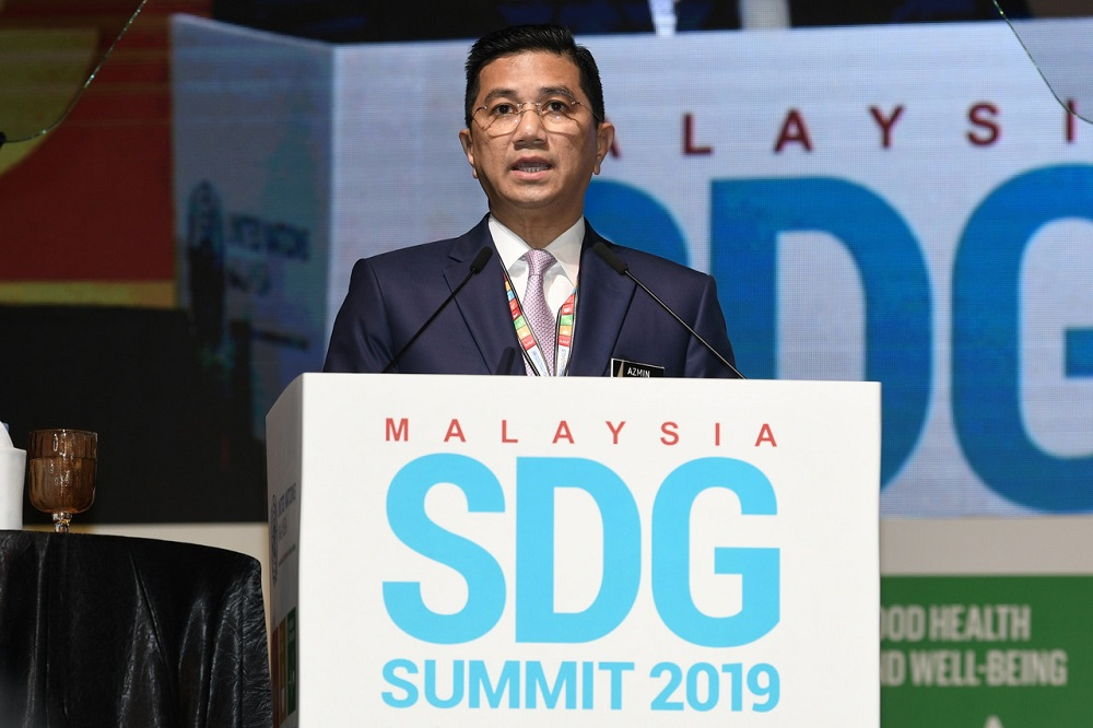 Economic Affairs Minister Datuk Seri Mohamed Azmin Ali delivers his speech at the Malaysia Sustainable Development Goals Summit 2019 at Kuala Lumpur Convention Centre November 6, 2019. — Bernama pic