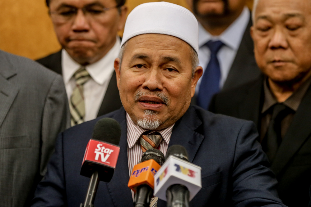 PAS deputy president Datuk Tuan Ibrahim Tuan Man has expressed confidence that parties in Perikatan Nasional will remain united in facing the opposition in GE15. — Picture by Firdaus Latif