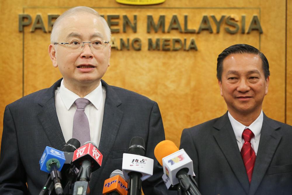 Datuk Seri Wee Ka Siong speaks during a press conference at Parliament in Kuala Lumpur November 18, 2019, as Datuk Seri Wee Jeck Seng looks on. — Picture by Yusof Mat Isa