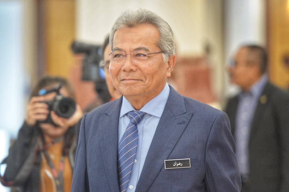 Entrepreneur Development Minister Datuk Seri Mohd Redzuan Yusof arrives in Parliament November 20, 2019. — Picture by Shafwan Zaidon