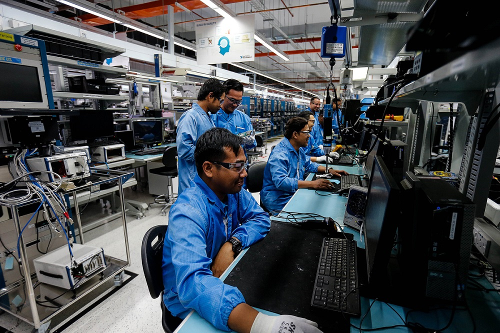 In the IHS Markit Malaysia Manufacturing Purchasing Managers' Index (PMI) for June, the country registered a score of 51.0, up sharply from the 45.6 in May. — Picture by Sayuti Zainudin