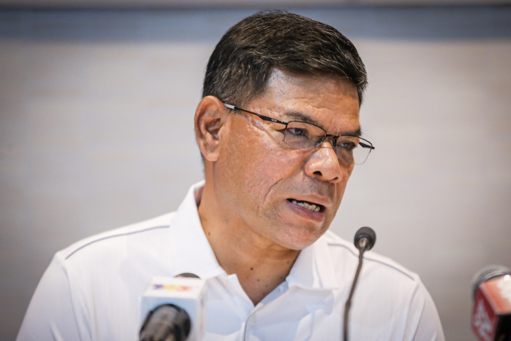 Datuk Seri Saifuddin Nasution Ismail said within 66 days (data as of November 30, 2019), Shopee had exhibited 3,500 local products of various categories in its Malaysian-made products page. — Picture by Hari Anggara