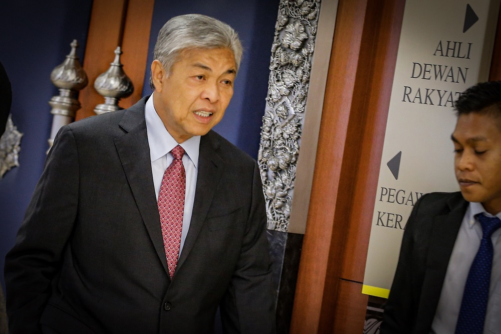 Datuk Seri Ahmad Zahid Hamidi today warned action against disloyal BN politicians, even going as far to describe them as 'hopping reptiles'. — Picture by Hari Anggara