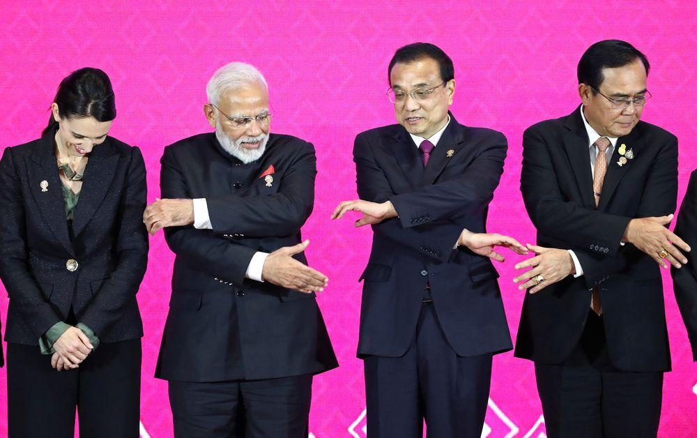 New Zealand's Prime Minister Jacinda Ardern, India's Prime Minister Narendra Modi, Chinese Premier Li Keqiang and Thai Prime Minister Prayuth Chan-Ocha shake hands at the 3rd Regional Comprehensive Economic Partnership (RCEP) summit in Bangkok, Thailand, November 4, 2019. — Reuters pic