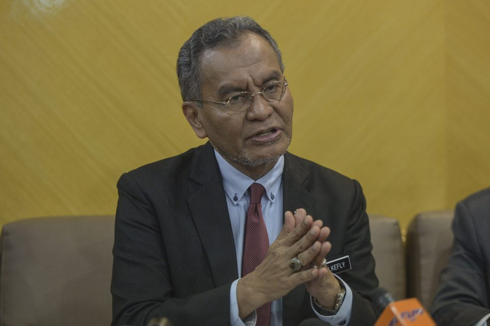 Health Minister Datuk Seri Dzulkefly Ahmad said the polio virus which infected a three-month-old Malaysian boy from Tuaran is suspected to have come from outside Sabah. ― Picture by Shafwan Zaidon