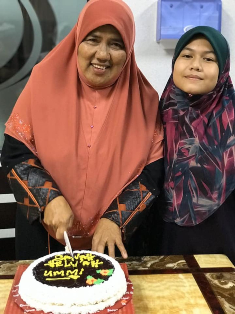 Aqilah's grandmother Aishah described her granddaughter as a cheerful and responsible girl. — Picture from Facebook/Aishah Mat Akat