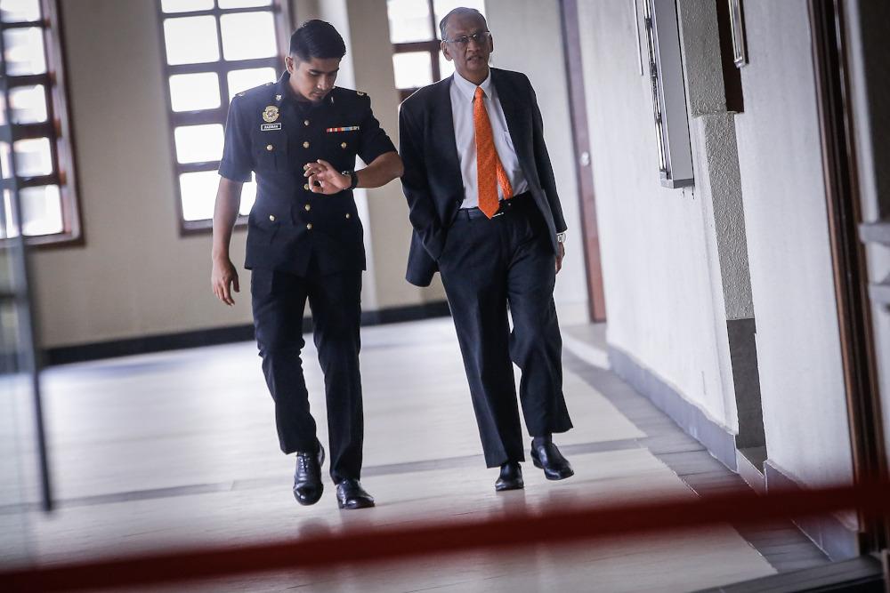 Former Auditor-General Tan Sri Ambrin Buang is seen at the Kuala Lumpur Court Complex, November 27, 2019. ― Picture by Hari Anggara