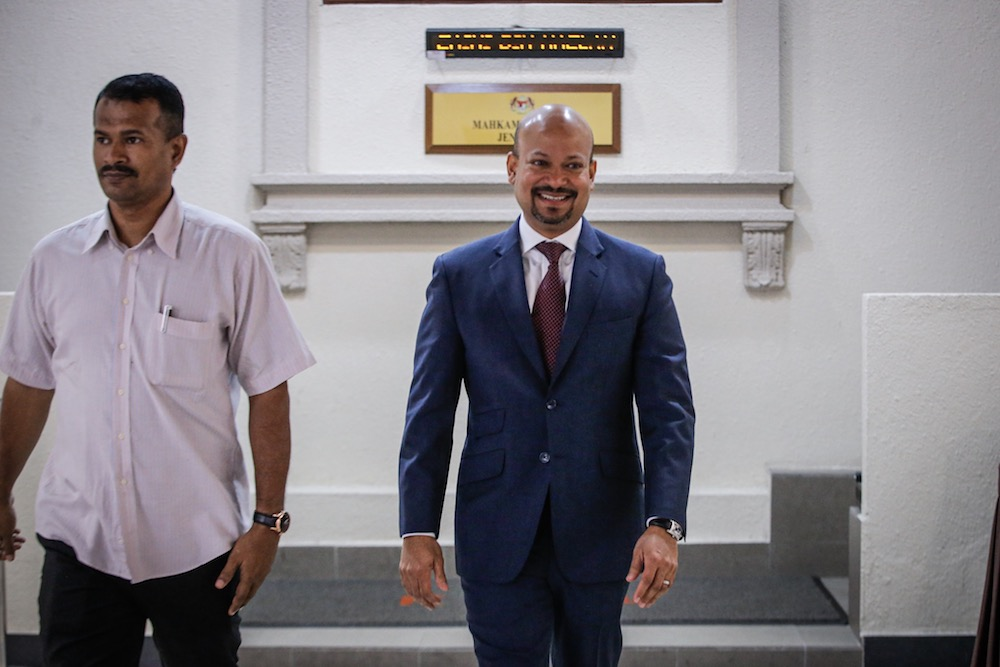 Former 1MDB CEO, Arul Kanda Kandasamy, is pictured at the Kuala Lumpur Courts Complex November 18, 2019. — Picture by Hari Anggara