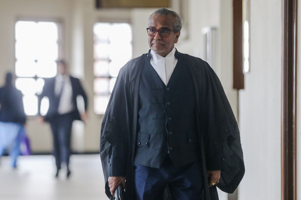Lawyer Tan Sri Muhammad Shafee Abdullah is pictured at the Kuala Lumpur High Court November 28, 2019. — Picture by Firdaus Latif