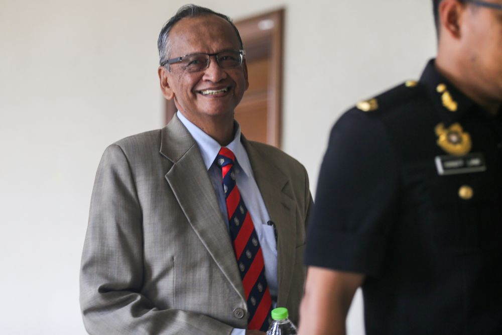 Former Auditor-General Tan Sri Ambrin Buang is pictured at the Kuala Lumpur Court Complex November 21, 2019. — Picture by Firdaus Latif