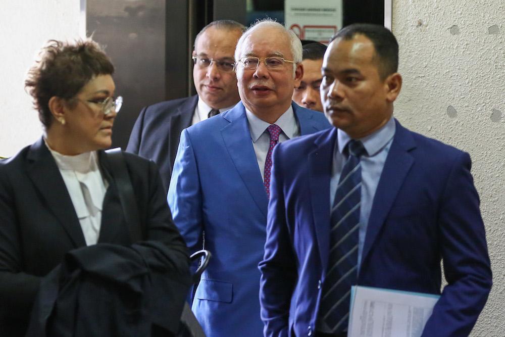 Former prime minister Datuk Seri Najib Razak arrives at the Kuala Lumpur Courts Complex December 3, 2019. — Picture by Yusof Mat Isa