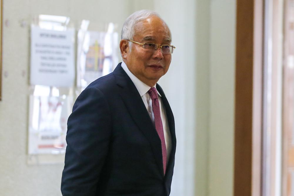 Former prime minister Datuk Seri Najib Razak is seen at the Kuala Lumpur High Court December 4, 2019. — Picture by Firdaus Latif
