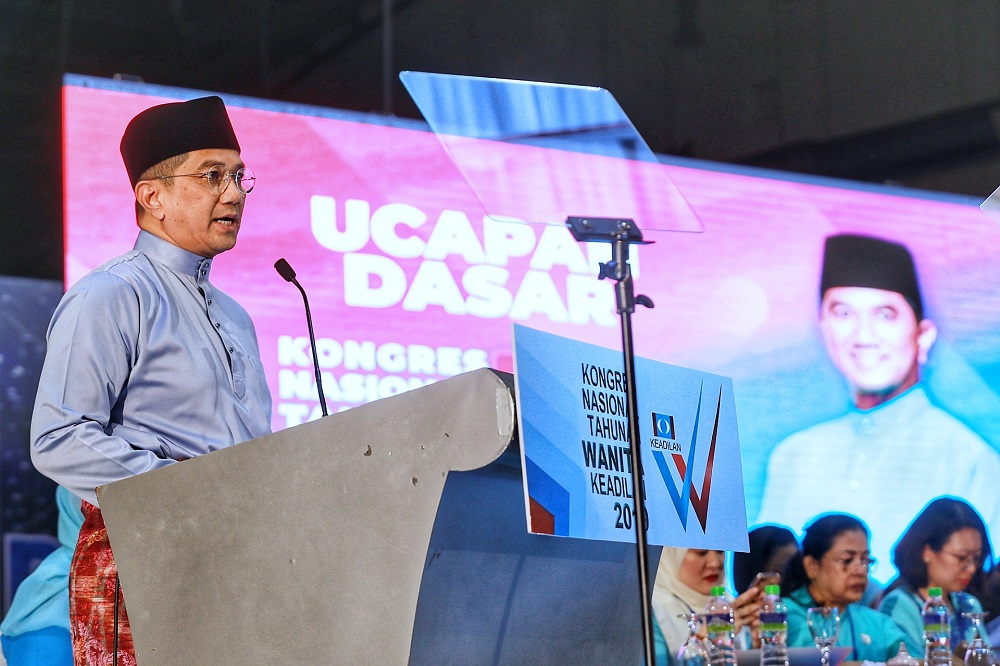 PKR deputy president Datuk Seri Azmin Ali delivers his speech during the PKR Women and Youth National congress in Melaka  December 5, 2019. — Picture by Ahmad Zamzahuri